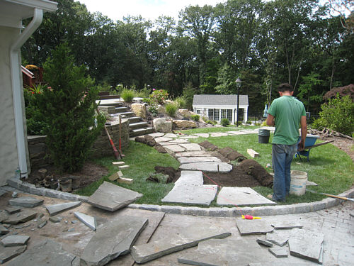 Prices On Landscaping Bricks : How to install a flagstone path in lawn landscapeadvisor